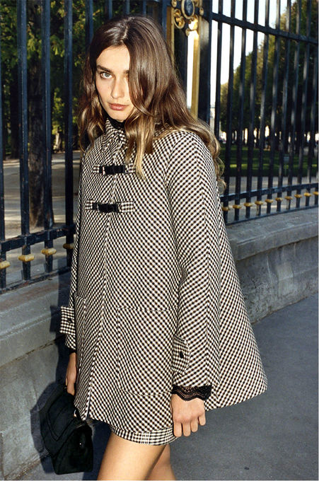 Checked A-line coat, Zip-up checked A-line skirt, Suede calfskin bag - FW MAJE 2017 Collection