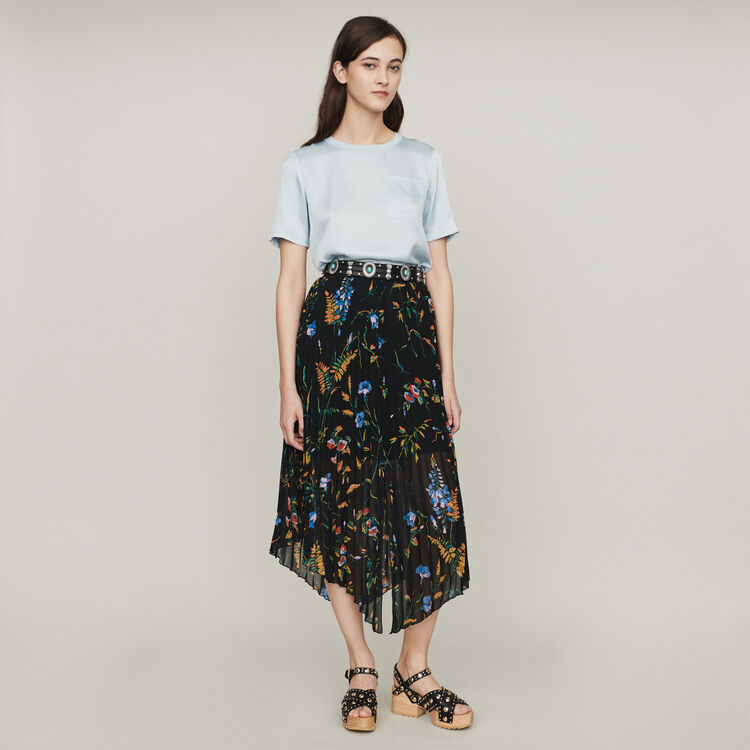 Floral print pleated midi skirt : Skirts & Shorts color Black
