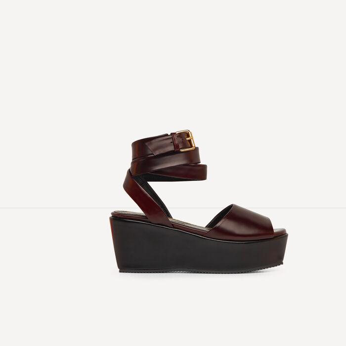 Glacé leather platform sandals : Spring Collection color Black 210