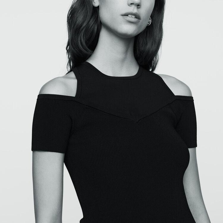 Stretch-knit shoulder T-shirt : Sweaters color Black 210