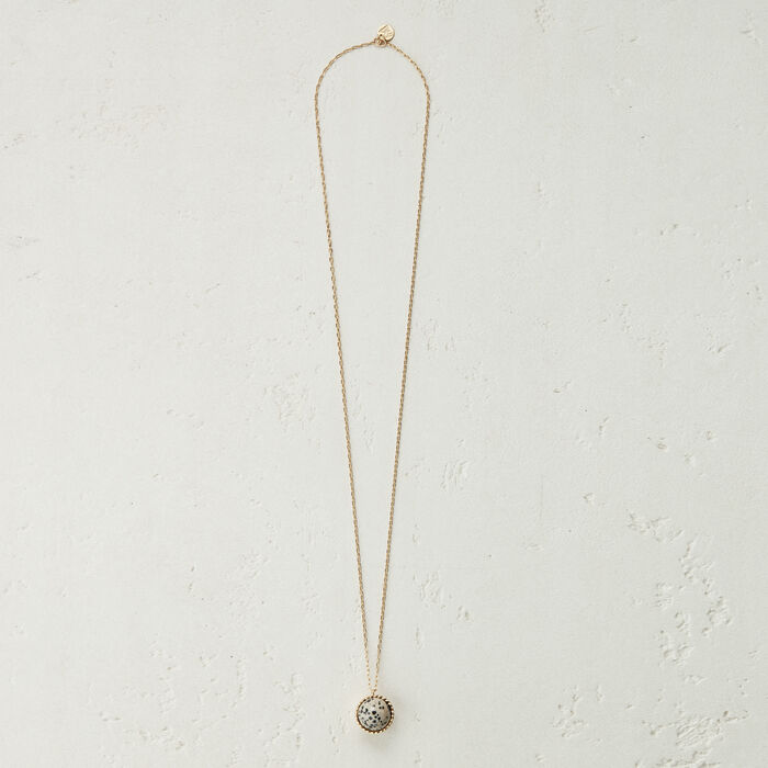 Necklace with natural stone : The Spring Essentials color Off White
