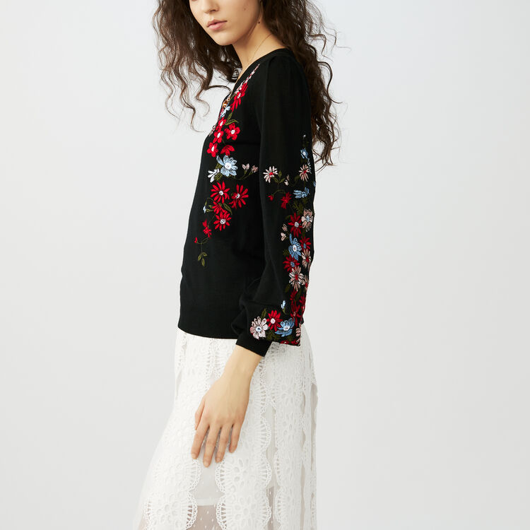 Fine-knit embroidered sweater : Sweaters color Black 210