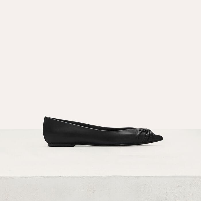 Flat leather pumps : Shoes color Black 210