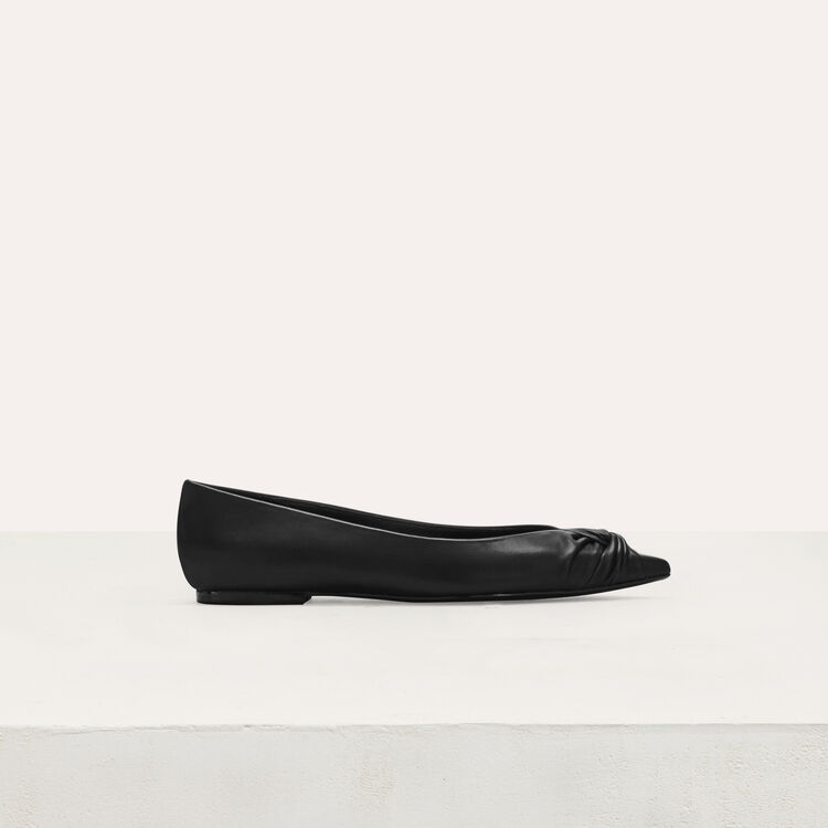 Flat leather pumps : Shoes color Black 210