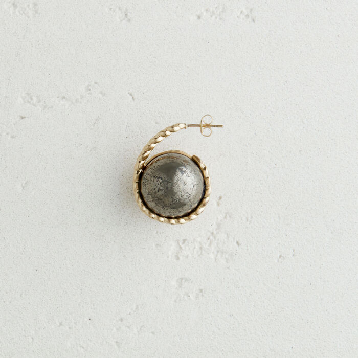 Left earring with natural stone : Jewelry color Old Silver