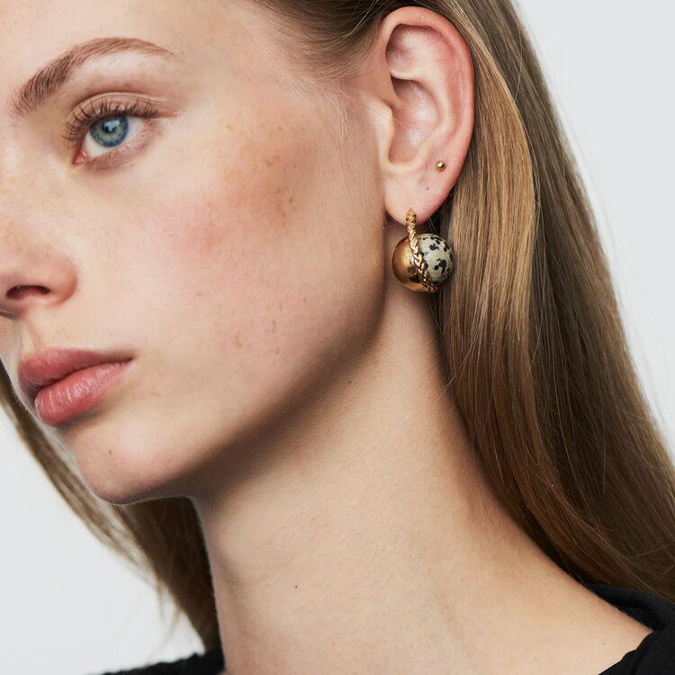 Right earring with natural stone : The Spring Essentials color Off White