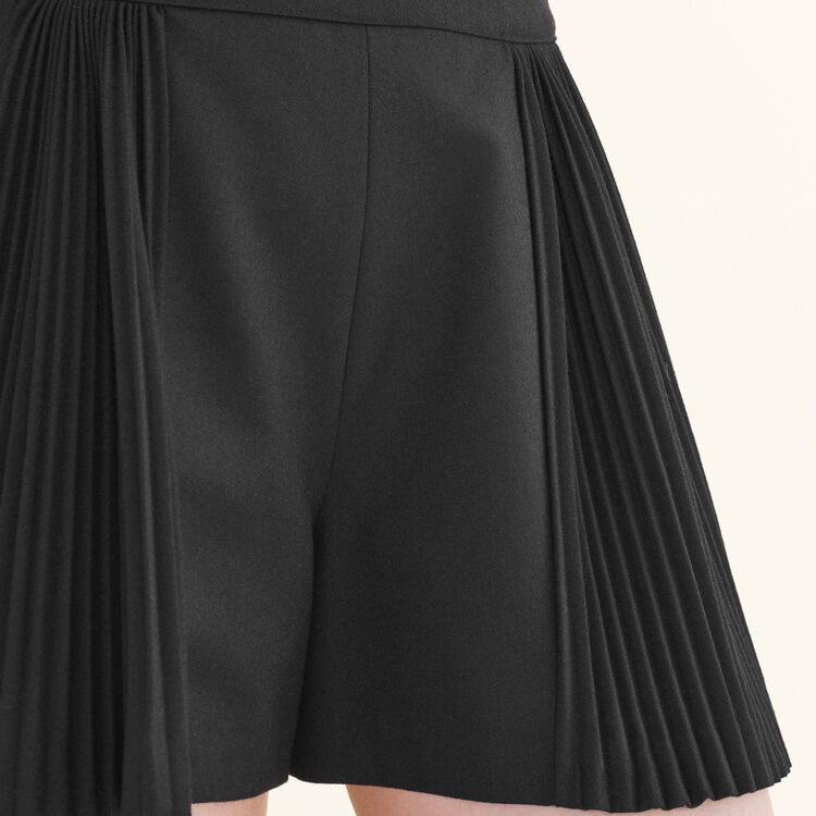 Cropped shorts with pleated details : null color