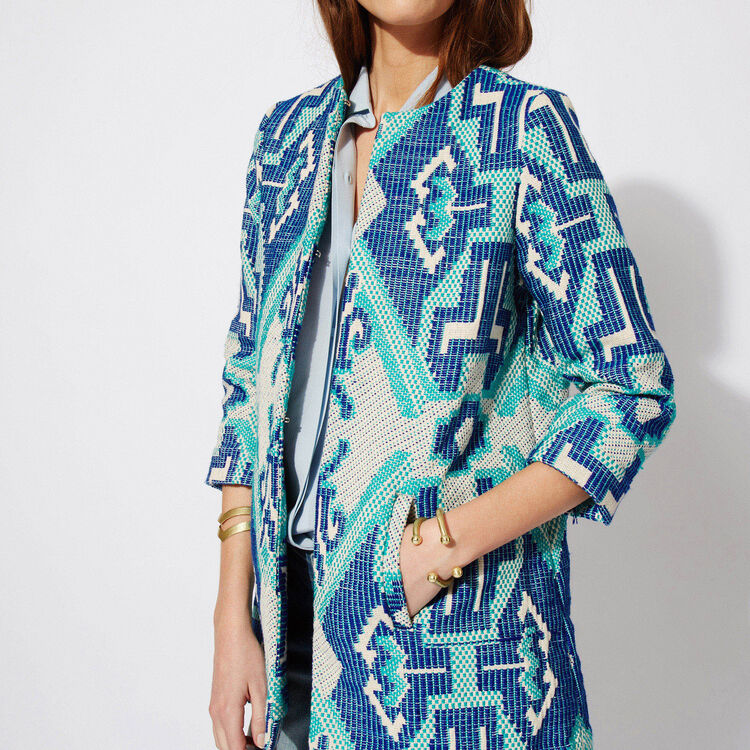 Jacquard fabric coat : Features color