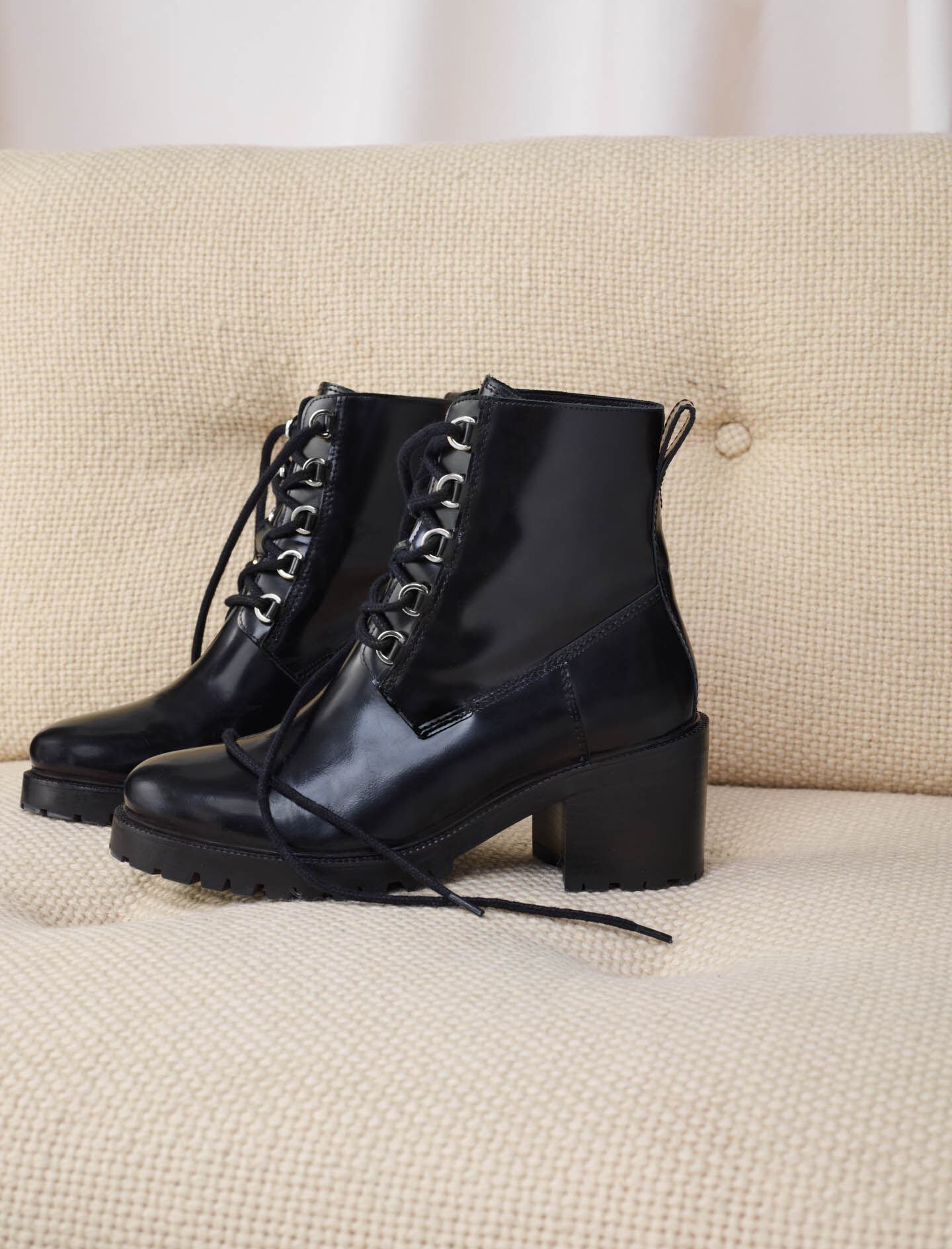 120FACTORY Black leather heeled boots