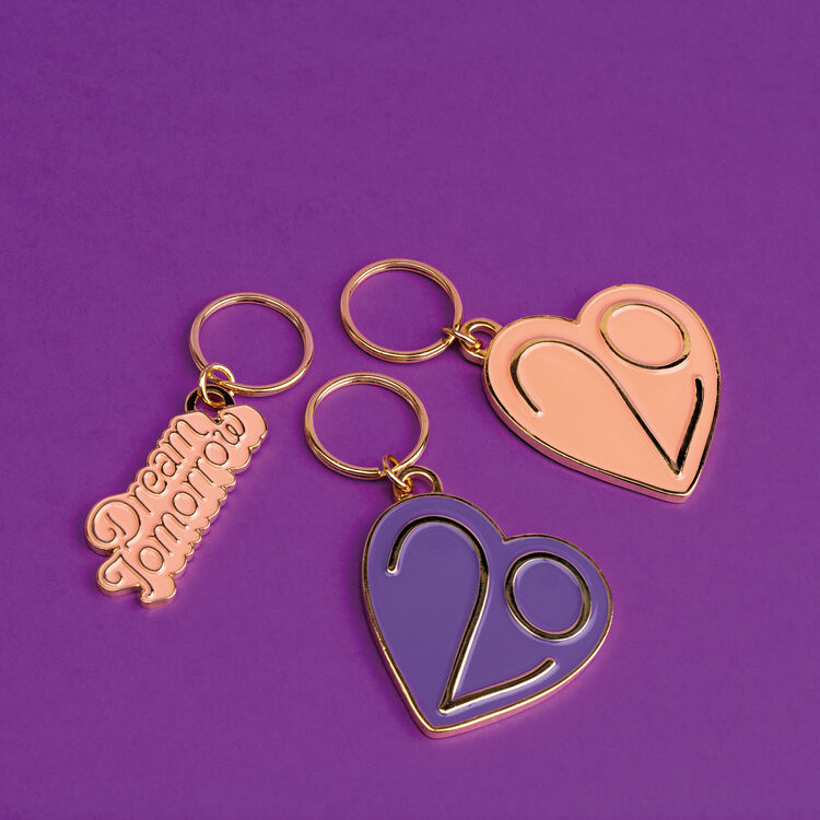 Keyrings X 20 years : Patches & Pins color Pink
