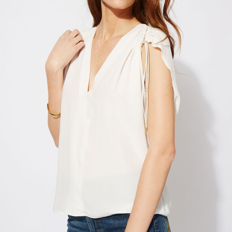 Sleeveless crêpe top : Features color