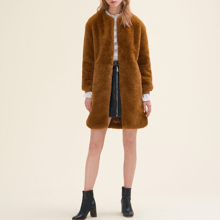 Faux fur coat : null color
