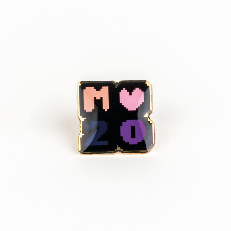 Pin Badges X 20 years : Shoes & Accessories color Multico