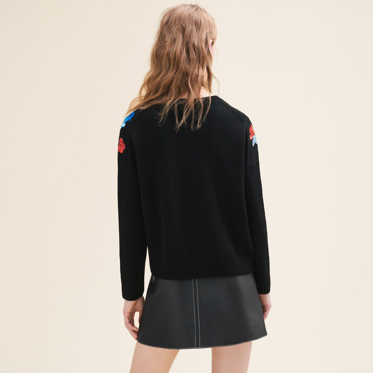 Fine knit jumper with embroidery : null color
